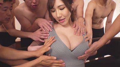 パイズリ輪姦6人抜き